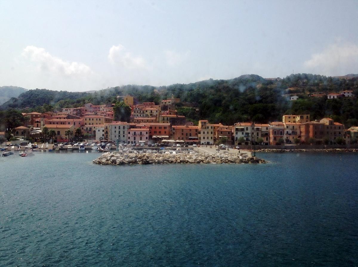 Trips  10 imagini superbe de pe Insula Elba