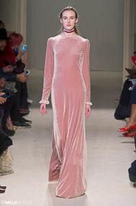 Fashion  Tendințe modă 2017: Hainele din catifea