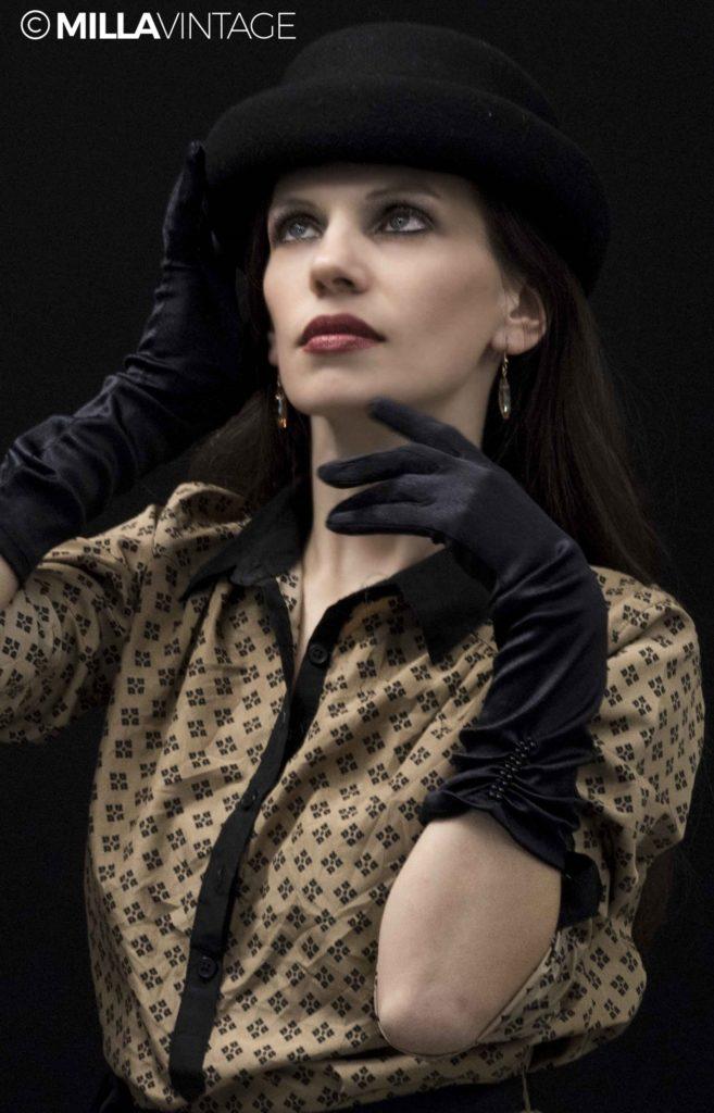Fashion  Pălării, berete și fesuri la modă. Iată ce poartă fashionistele din Milano