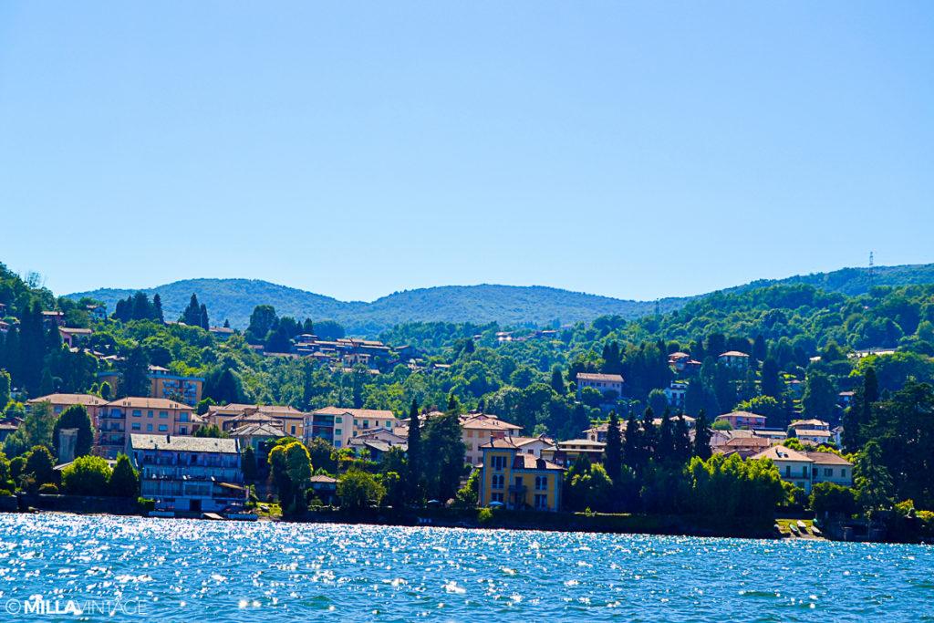 Trips  Cu barca pe Lacul Maggiore