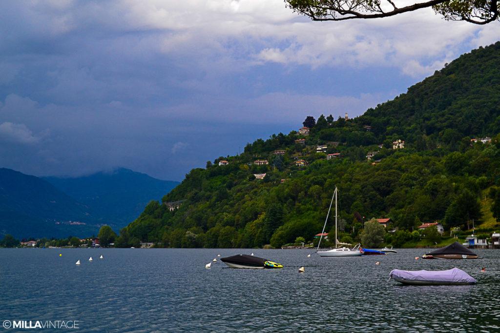 """Trips Uncategorized @ro  FOTO/Lacul Orta. Zile frumoase de vară sub """"Acuarela lui Dumnezeu"""""""