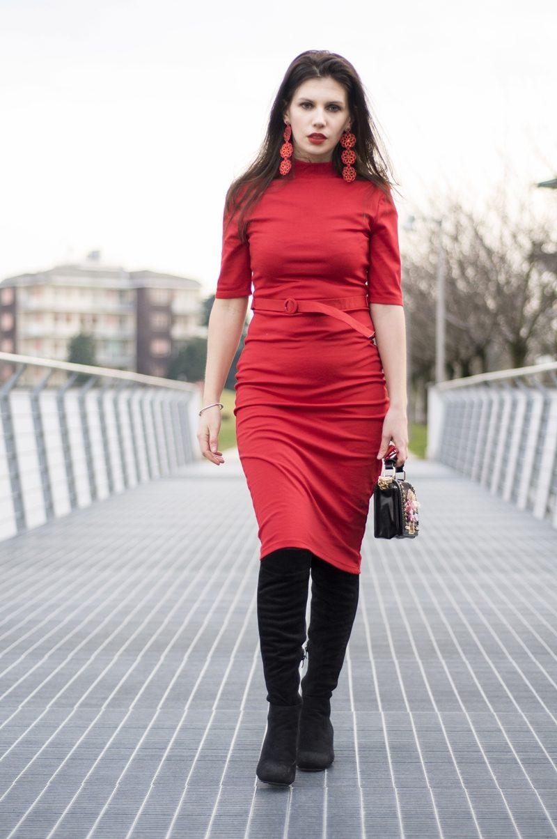 MY OUTFIT  Rochie roșie tip creion: De ce și cum să purtăm rochiile roșii