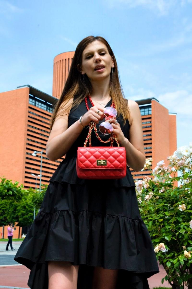 MY OUTFIT  Negru și roșu, despre stil cu personalitate